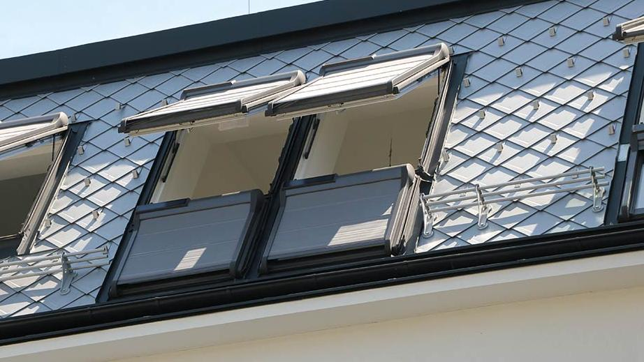 roof-roofwindows-outside-roller-shutter